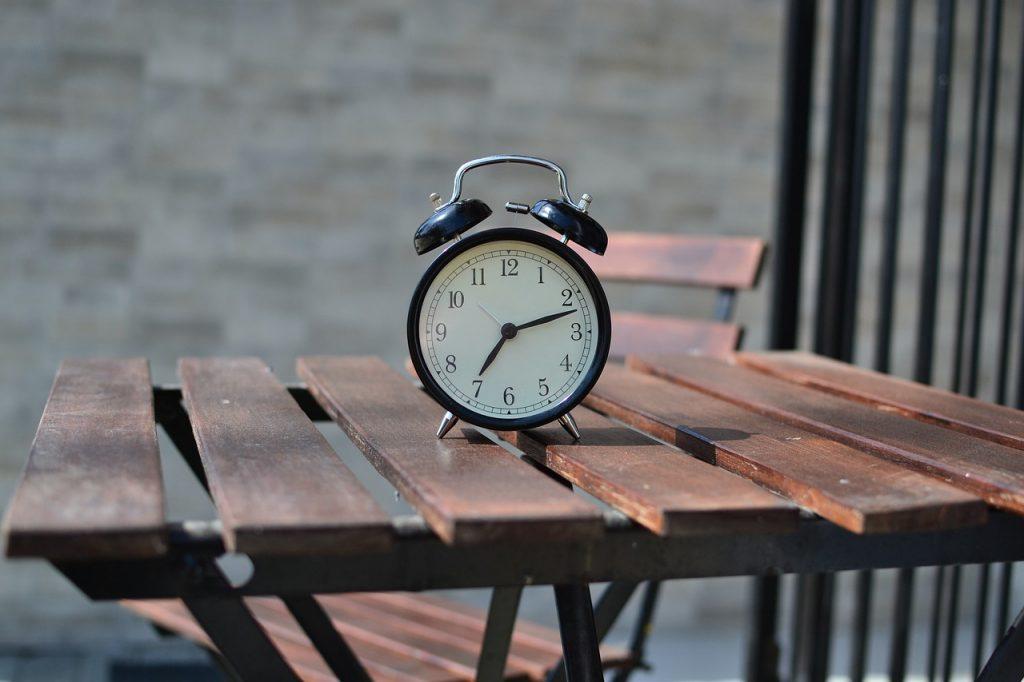 Oferty zegarów ściennych