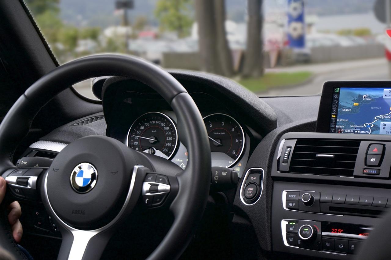 Wypożyczanie aut dla osób prywatnych i firm